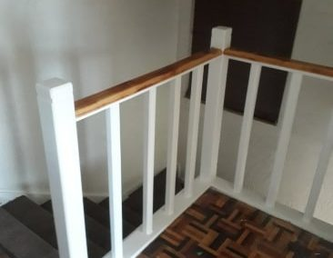 Replaced Metal Staircase – Rebuilt with Meranti